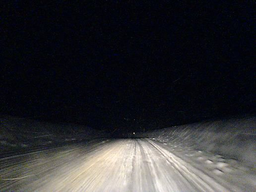 Scary-driving-in-the-snow-and-dark